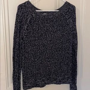 Gap black and white sweater size S
